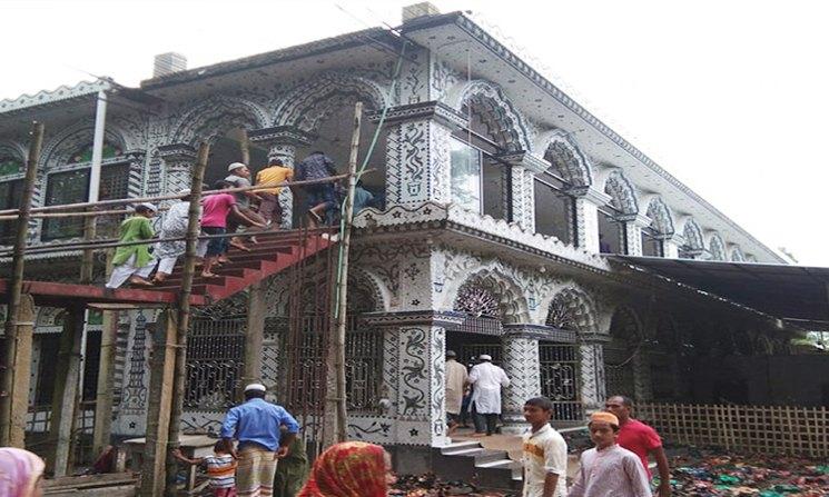লালমনিরহাটে মসজিদ নির্মাণ কাজে বিএসএফের বাধা