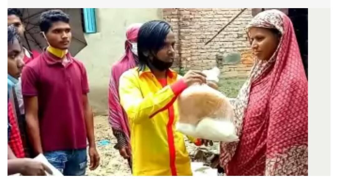 ১০০ পরিবারে ঈদ উপহার দিলেন হিরো আলম